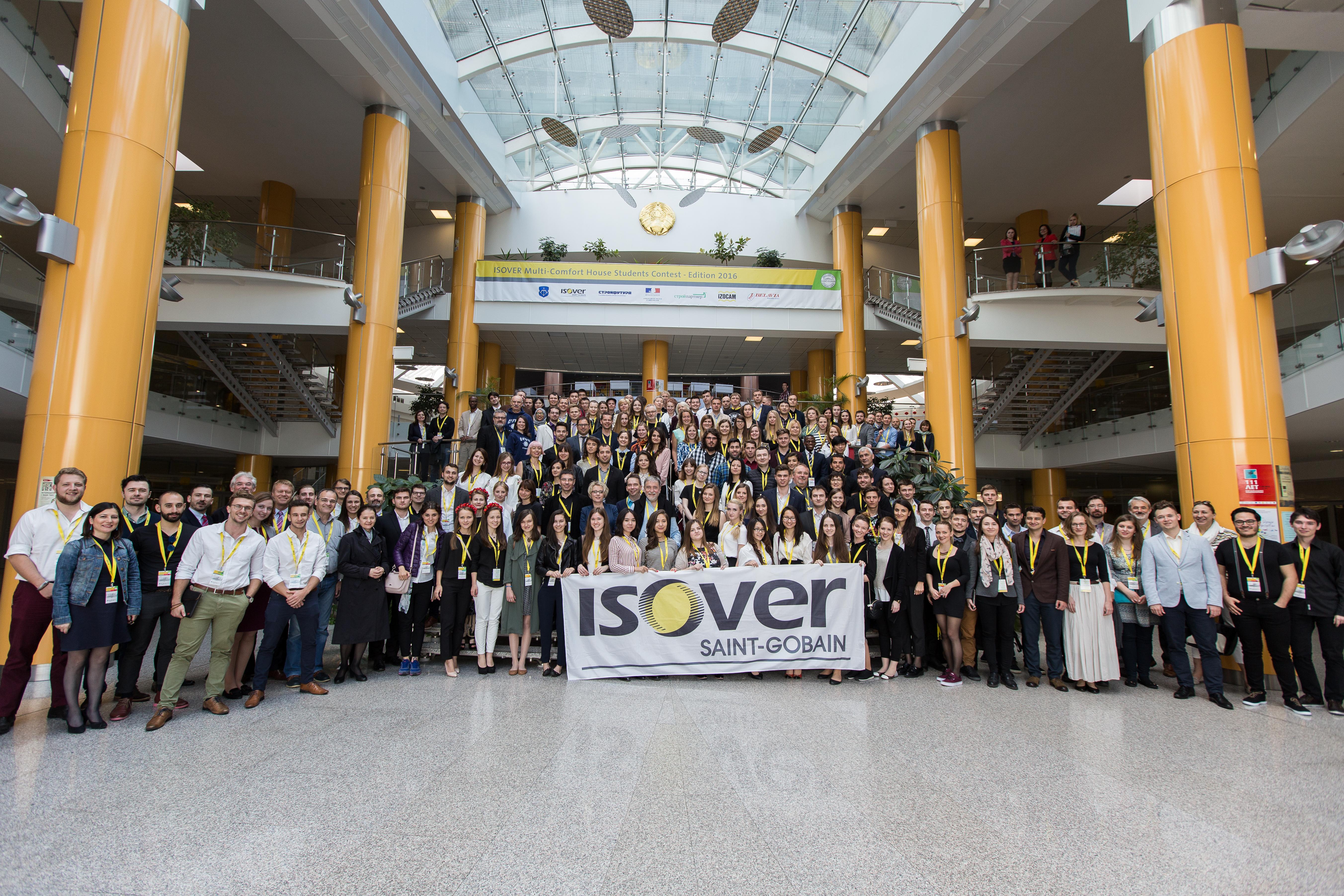 Na vyhodnotení dvanásteho ročníka medzinárodnej súťaže ISOVER Multi Comfort House Students Contest sa stretlo viac ako 170 účastníkov z23 krajín. Foto: Isover